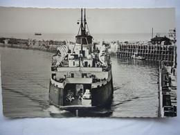 Paquebot / S.S. LORD WARDEN / Seen At Boulogne Sur Mer - Paquebots