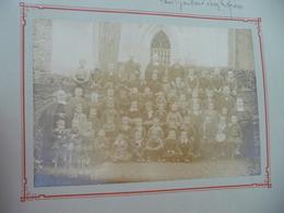 Photo Collée Sur Carton J.Raynaud Bédarieux Religion école De Frères Groupe D'élèves - Famous People
