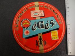 Etiquette De Camembert Egé 5% Association De Vente Des Grandes épiceries Françaises - Cheese