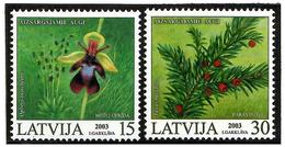 Latvia 2003 . Protected Flora 2003. 2v: 15 (Flower), 30.   Michel # 587-88A - Lettonie