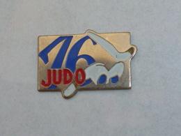 Pin's JUDO 76 - Judo