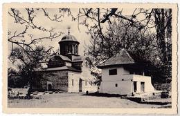 ROUMANIE / ROMANIA : CURTEA DE ARGES : BISERICA DOMNEASCA - VRAIE PHOTO / REAL PHOTO POSTCARD ~ 1935 (ae783) - Roumanie