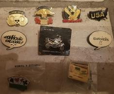 Lot De 9 Pins--- Harley - Badges