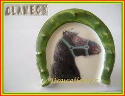 Clamecy ...Chevaux, Tour Fer à Cheval  N°3 Frison Vert . Ref AFF : 61-2005 .. (2005) - Antiguos