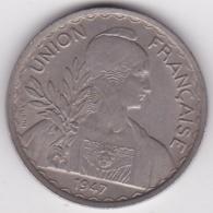 INDOCHINE. UNION FRANCAISE. 1 PIASTRE 1947. Tranche Striée - Colonies