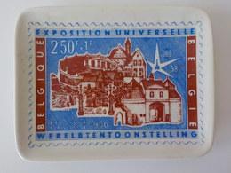 Cendrier Porcelaine Exposition Universelle Bruxelles 1958 Illustration: Timbre Poste De 250F + 1F - Porcelana