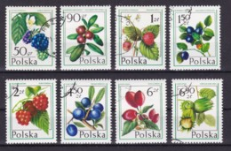 POLAND 1977 FOREST FRUITS, PLANTS (MI 2487-94) COMPLETE SET USED/CANCELLED (o) - 1944-.... Republic