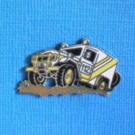 1 PIN'S //  ** RALLYE 4 X 4  LAND CRUISER / N°112 **  . (Démons & Merveilles) - Rallye
