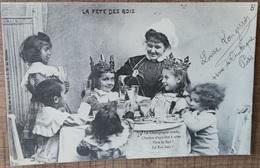 CPA LA FETE DES ROIS. Epiphanie Galette Enfants Famille Couronne...Le Champagne Coule, Le Roi Boit !  Précurseur - Sonstige