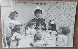 CPA LA FETE DES ROIS. Le Gâteau Des Rois Compétiteurs à La Couronne. Epiphanie Galette Enfants Famille .. Précurseur - Sonstige