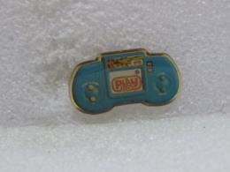 PINS MU21                   103 - Badges