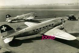PHOTO : Swissair : Swiss Air Lines  , Douglas DC3, Photo Of Old Postcard, 2 Scans - Aviation