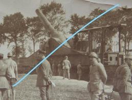 Photo WO1 Examen D'un ALVF SCHNEIDER 274mm On Railway Carriage Artillerie Sur Voie Ferrée Canon Heavy Gun Train - Guerra, Militari