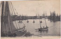 LES SABLES D'OLONNE - Les Régates Dans Le Port - Sables D'Olonne