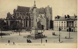 44 Nantes N°21 LL Place Louis XVI Cathédrale Side-Car Ancien Camion Attelage Vélo Voies Du Tramway Tram - Nantes