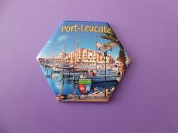 Magnet La Marina De Port Leucate Dans Les Pyrénées Orientales Octogonal Neuf Sous Blister - Tourismus
