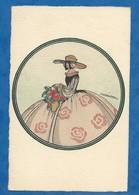 CPA Illustrateur Denise Millon Style Art Déco Femme Mode Robe Chapeau Peinte Technique Du Pochoir Voyagée 1925 - Illustrateurs & Photographes