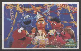 Fiji - 2000 Sesame Street Block (2) MNH__(TH-17268) - Fiji (1970-...)