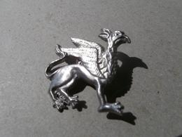 Le Griffon - Bestiaire Du Moyen Age - Aimal Fabuleux - Medieval Symbolism - étain-pewter-zinn - Pin's