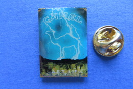 Pin's,CAMEL ART 11,CIGARETTES,TABAC,PAQUET,SUISSE - Trademarks