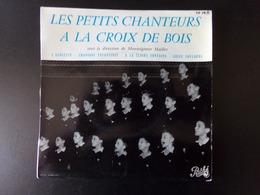 """Les Petits Chanteurs à La Croix De Bois """" L'alouette + A La Clair Fontaine + Chansons Enfantine + Adieu Foulards """" - Bambini"""