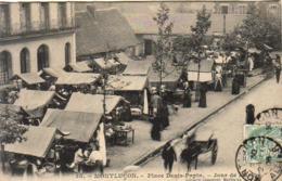 D03  MONTLUÇON  Place Denis Papin Jour De Marché  . Carte Peu Courante - Montlucon