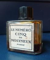 Flacon Ancien - Le Numéro Cinq De MOLYNEUX  - Réf, T 03 ( Il Y A Deux étiquettes ) - Flesjes (leeg)