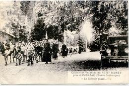 87. HAUTE-VIENNE - AMBAZAC. Colonie De Vacances (Oeuvre Catholique) Du Petit-Muret. La Colonie Passe...! Auto 1e Plan. - Ambazac