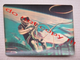 3D Postcard - History In The Making 1965 Lt. Col. Edwaerd White 1st American To Walk In Space - Spazio