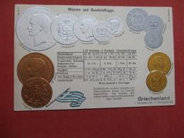 EMBOSSED GREEK COIN POSTCARD WITH FLAG OF GREECE       Ref 4083 - Monete (rappresentazioni)