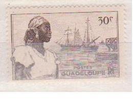 GUADELOUPE     N°  YVERT  :   198   NEUF AVEC  CHARNIERES      ( Ch  3 / 23 ) - Guadeloupe (1884-1947)