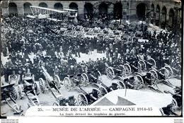 Guerre 14-18 Armement Aux Invalides La Foule Devant Les Trophees De Guerre - War 1914-18