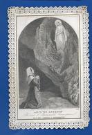 Image Religieuses  Dentellée   Notre Dame De Lourdes - Images Religieuses