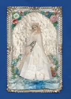 Image Religieuse      Communiante   Velour Et Soie  Relief - Andachtsbilder