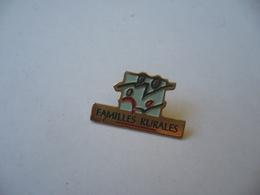 PIN'S PINS PIN PIN's ピンバッジ  FAMILLES RURALES - Pin's & Anstecknadeln