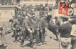 LA ROCHELLE ( 17 ) - Embarquement Des Forçats Et De Relégués - Prigione E Prigionieri