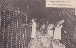 279720Champagne Duminy & Co Chantier, Descente Des Bouteilles Nr. 9 (voir Coins) - Wijnbouw