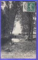 Carte Postale 08. Saulces-Champenoise   Berger Et Ses Moutons Au Pont De Bréban Très Beau Plan - France