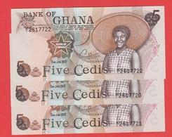 GHANA - Serie 3 Billets Avec N° Serie Se Suivent  - 5 Cédis  Du  02 01 1977  - Pick 15b - Ghana