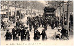 75 PARIS - La Sortie Du Métropolitain, Porte Maillot - Métro Parisien, Gares