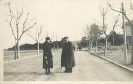 ANTIBES - Avenue, Carte Photo En 1922, à Localiser. - Cartes Postales