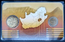 0216 - COFFRET COMMEMORATIF Coupe Du Monde De Foot 2010 Afrique Du Sud - 5 Rand Domée Nelspruit + Médaille - South Africa