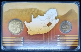 0217 - COFFRET COMMEMORATIF Coupe Du Monde De Foot 2010 Afrique Du Sud - 5 Rand Domée Durban + Médaille - South Africa