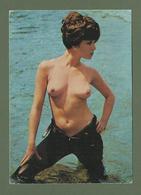 CARTE POSTALE  FEMME SEINS  NUS EROTIQUE  COLLECTION  DAILY GIRL PRESS SANDRA - Beauté Féminine D'autrefois (1941-1960)