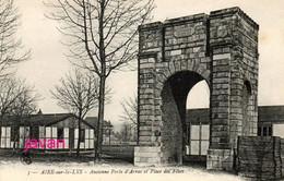 Photo :Aire-sur-la-Lys, Ancienne Porte D'Arras, Photo D'une Ancienne Carte Postale; 2 Scans - Places