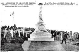 Saint Mihiel. Le Cimetière Militaire De Lavaux Racine Et Le Monument Aux Morts. - Saint Mihiel