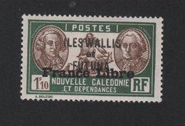 Faux Wallis Et Futuna N° ? 1,10 F Surcharge Gomme Charnière - Wallis Und Futuna