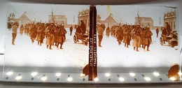 DEPART POUR LES TRANCHEES COXYDE NIEUPORT YSER BELGIQUE WW1 GUERRE PHOTOGRAPHIE PLAQUE DE VERRE STEREOSCOPIQUE MILITARIA - Diapositiva Su Vetro