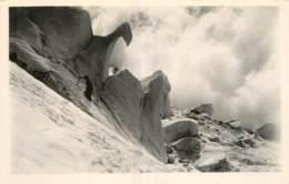 74  CHAMONIX  SERACS DE GLACE SUR LA ROUTE DU MONT BLANC  CLICHE G. TAIRRAZ - Chamonix-Mont-Blanc