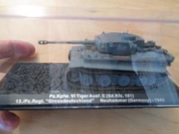 CARTONCAV / Modèle Réduit 1/72e Char  Allemand 39/45 CHAR TIGRE , état Comme Neuf - Panzer